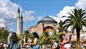 Стамбул вбирает все больше туристов и дорожает
