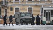 Центр Петербурга в заборах и погонах – новая нормальность?