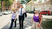 Мэр Вильнюса оказался на улице с туристами
