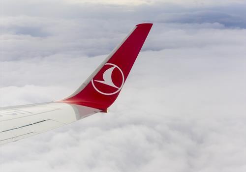 «Интурист» запустит дополнительную полетную программу в Анталью из С-Петербурга